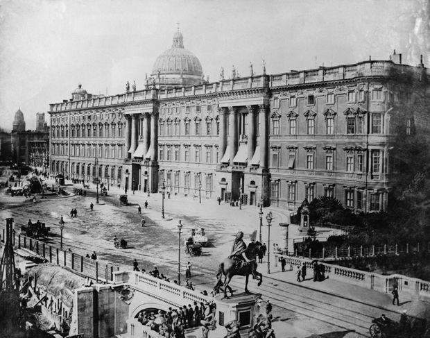 Le château de l'empereur d'Allemagne Guillaume II à Berlin, vers 1900