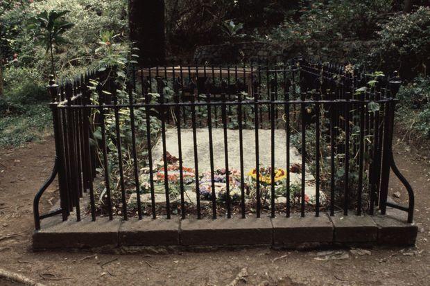 La tombe de Napoléon Bonaparte sur l'île de Sainte-Hélène en juin 1981