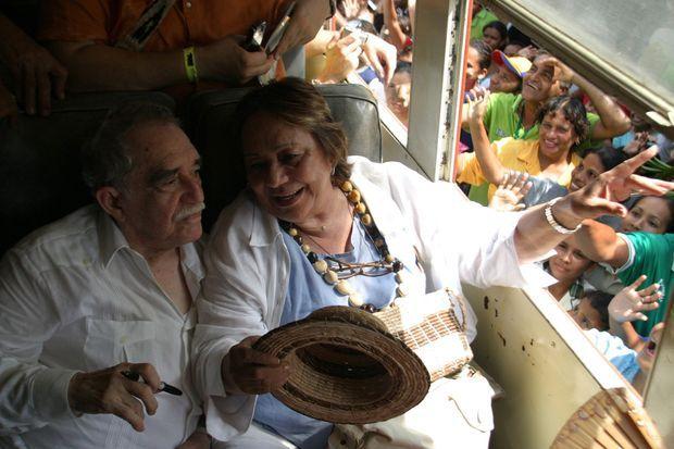 Le 30 mai 2007, l'écrivain, accompagné de sa femme, Mercedes, revient pour la première fois à Aracataca depuis l'obtention de son prix Nobel en 1982.