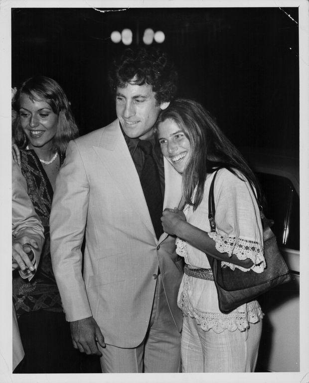 Paul Michael Glaser et son épouse Elizabeth en mai 1976.