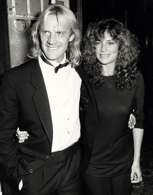 Alexander Godunov et sa compagne Jacqueline Bisset, à Los Angeles en octobre 1983.