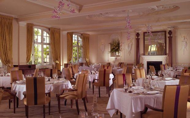 goring dinning room-