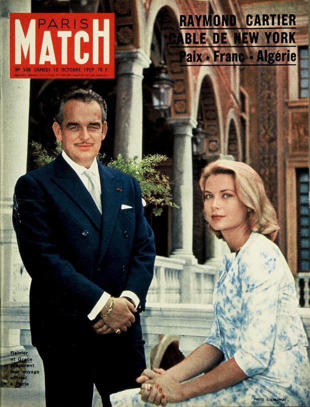 Grace de Monaco et le prince Rainier à la veille de leur visite officielle en France, en couverture de Paris Match n°548, daté du 10 octobre 1959.