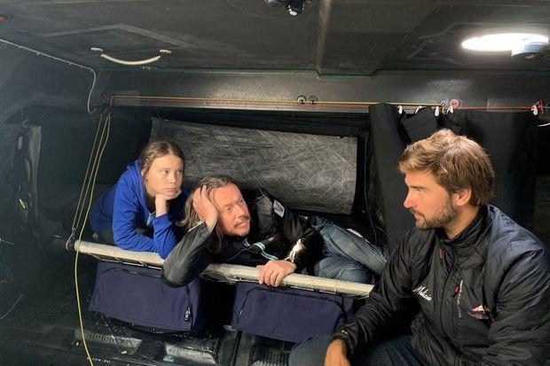 Greta Thunberg à bord du Malizia II, avec son père Svante et le skipper Boris Herrmann.