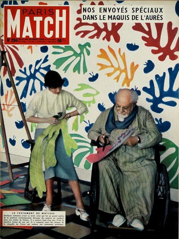 «Le testament de Matisse : Quelques semaines avant sa mort, celui qui fut un grand maître de la peinture contemporaine découpe des papiers de couleurs dans son atelier de Cimiez. Il a quatre-vingt-cinq ans. C'est la dernière forme de son art. Il a composé ainsi les vitraux de la chapelle de Vence qui restera son testament artistique.» - Couverture de Paris Match n°294, daté du 13 novembre 1954.