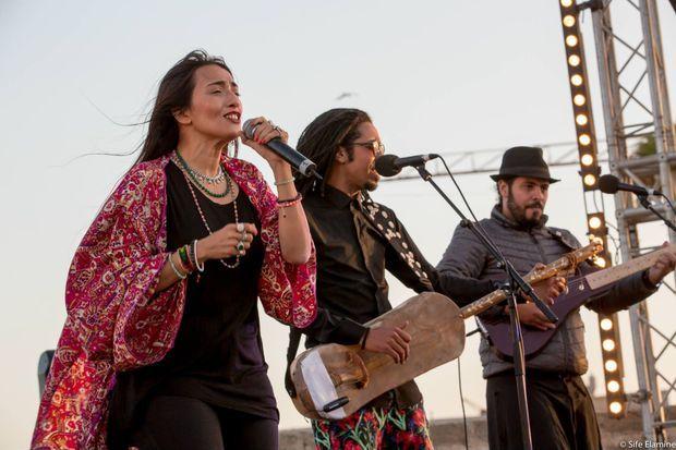Hindi Zahra lors de son concert au festival Gnaoua d'Essaouira le 1er juillet 2017