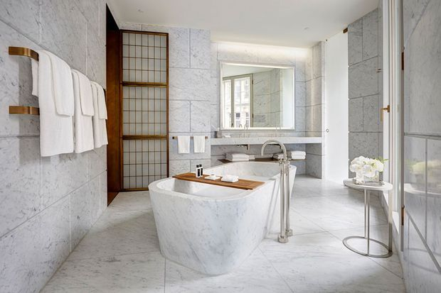 Hotel-Cafe-Royal-Regent-Suite-Bathroom1