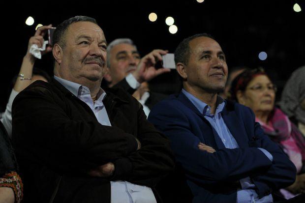 Venus assister au concert, le ministre de la Culture algérien, Azzedine Mihoubi, à droite du directeur général de l'Office national des droits d'auteurs et des droits voisins, Sami Bencheikh El Hocine.