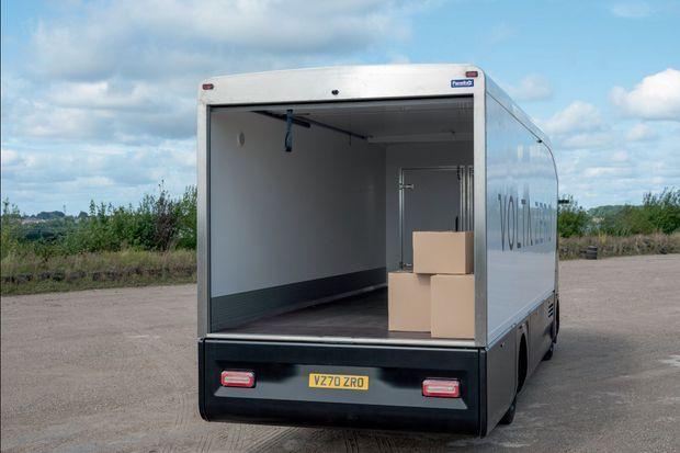 Il peut convoyer jusqu'à 8600 kilos de fret dans un volume total de 37,3 m3