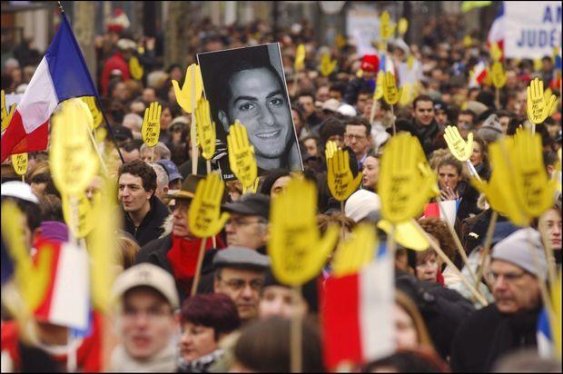 La manifestation de colère contre l'antisémitisme, au lendemain de la mort d'Ilan Halimi, le 26 février 2006.