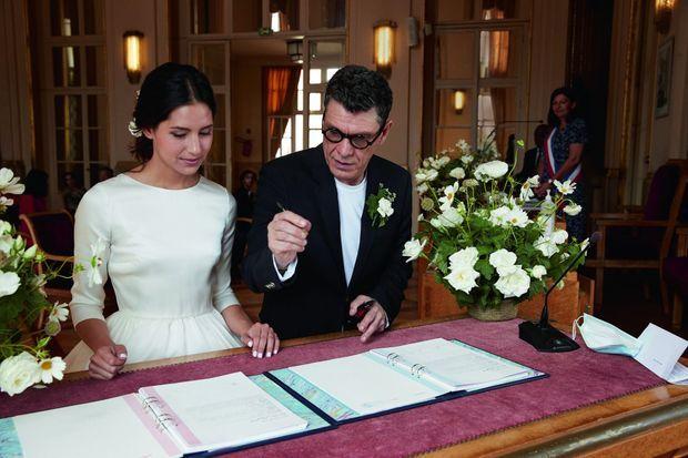 Ils n'ont pas attendu la signature des registres pour remplir de belles pages ensemble : ils ont coécrit une chanson qui figurera sur le prochain album de Marc