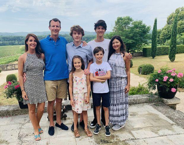 Photo de famille pour les 18 ans du prince Felix, à Cayx en France le 22 juillet 2020