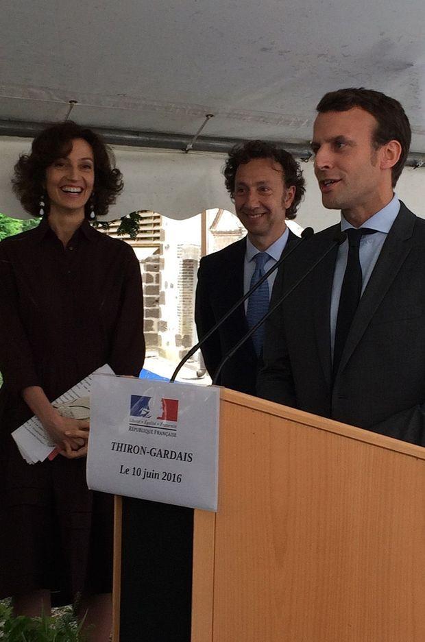 Audrey Azoulay, Stéphane Bern et Emmanuel Macron à Thiron-Gardais.