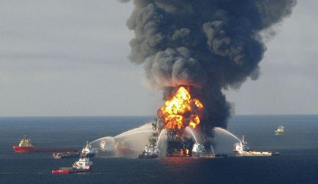 Incendie plateforme de forage BP dans le Golfe du Mexique-