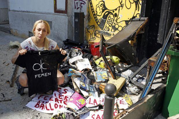 Inna Shevchenko devant les locaux incendiés des Femen, le 21 juillet 2013.