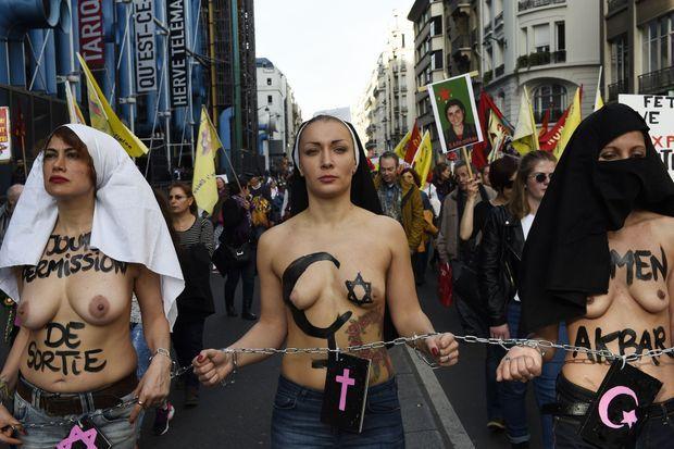 Inna Shevchenko lors d'une manifestation à Paris, le 8 mars 2015.