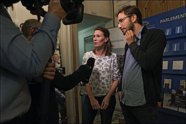 Isabelle et Antoine Grassin, les parents de Charlotte, à l'issue d'une conférence de presse.