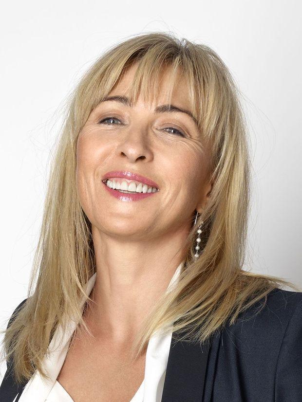 Isabelle Pacchioni, co-fondatrice du Laboratoire Puressentiel. De l'aromathérapie aux bienfaits des huiles essentielles, son expertise est une référence dans le monde entier.