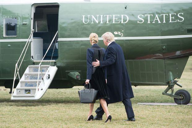 Ivanka Trump et Donald Trump quittant la Maison Blanche, le 1er février 2017.