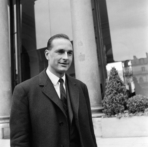 Jacques Chirac lors de son premier conseil des ministres, le 12 avril 1967.