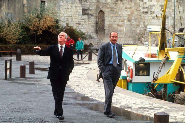Edouard Balladur et Jacques Chirac le 25 septembre 1993 à La Rochelle, lors des journées parlementaires du RPR. La brouille s'est alors déjà installée entre les deux amis.