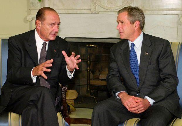 Le 18 septembre 2001, sept jours seulement après les attentats du 11-septembre, Jacques Chirac est à Washington aux côtés de George W. Bush.
