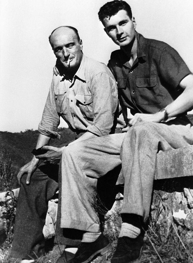 Jacques Chirac et son père en 1950.