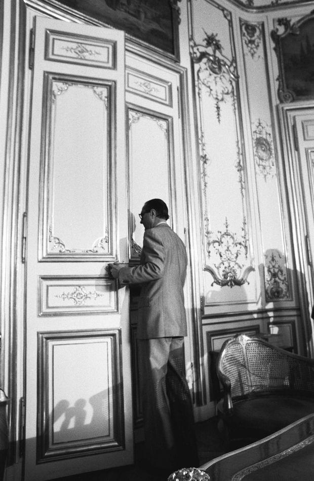 25 août 1976, à Matignon : Jacques Chirac vient d'annoncer sa démission.