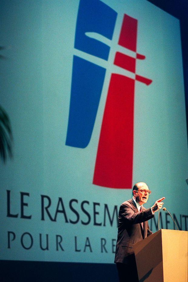 """Le 4 juillet 1992, Jacques Chirac annonce au RPR qu'il votera """"oui"""" au référendum sur le traité de Maastricht."""