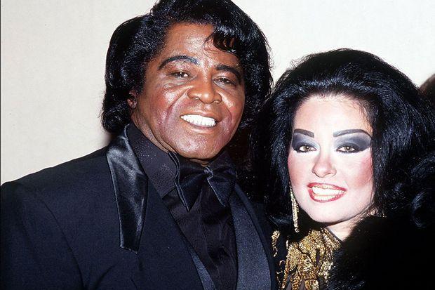 James Brown et sa troisième femme, Adrienne, morte en 2006.