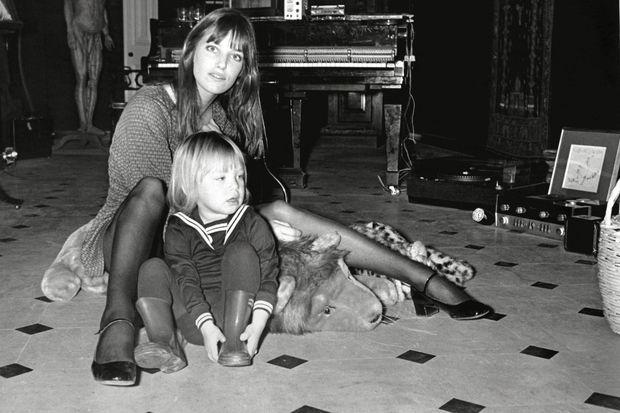 Jane Birkin et Kate Barry en 1969.