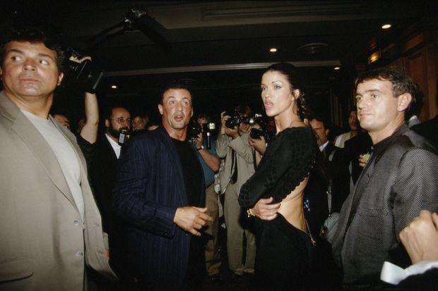 Janice Dickinson et Sylvester Stallone, lors de leur dernière apparition publique ensemble, le 17 juillet 1994 à Paris.