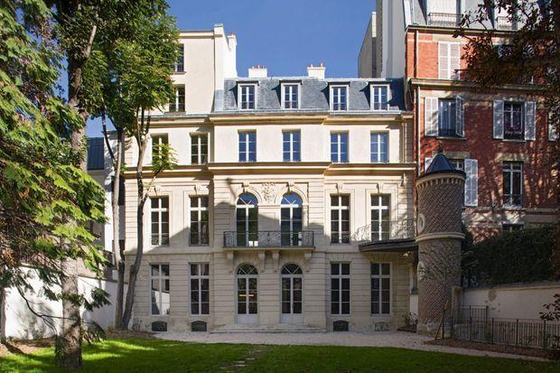 Jardin privé du musée en plein cœur du Paris de la mode et du luxe.