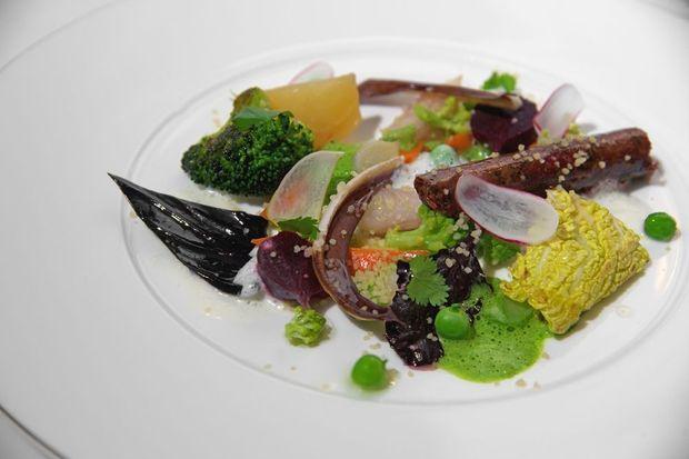 Jardinière Arlequin merguez végétale a la harissa semoule a l'huile d'argan