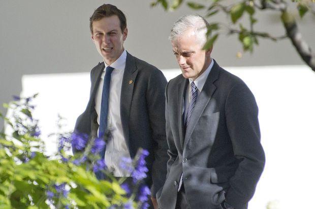 Jared Kushner à la Maison Blanche avec l'actuel secrétaire général Denis McDonough, le 10 novembre 2016.