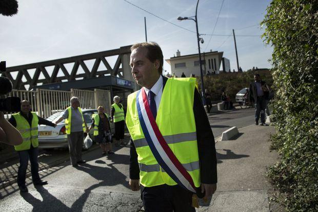 Jean-Christophe Lagarde, maire de Drancy, député, devant la gare de la ville.