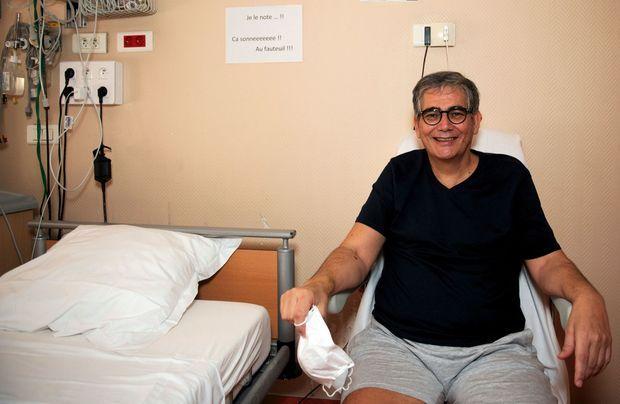 Jean-Claude Dib, cardiologue, toujours hospitalisé à la clinique Ambroise-Paré de Neuilly, où il exerce, six jours après avoir été extubé.