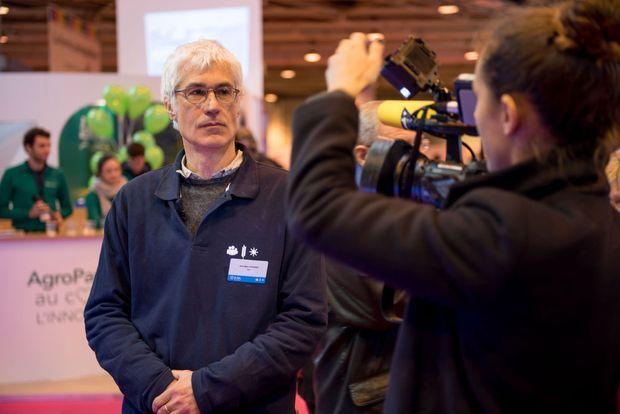 Jean-Marc Touzard co-anime le projet Laccave, qui travaille sur l'adaptation de la filière viticole.