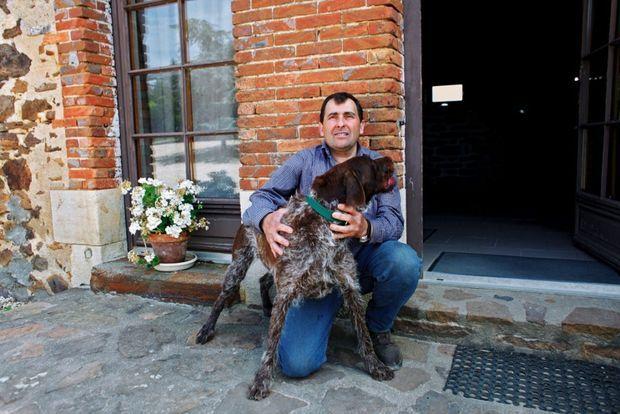 Jean-Marie Desdions avec son chien