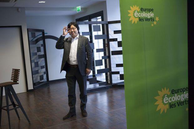 Jean-Vincent Placé, sénateur de l'Essonne, entend porter une proposition de loi contre l'obsolescence programmée.