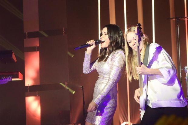 Jenifer sur la scène d'U Palatinu à Ajaccio, le 8 mars 2019.