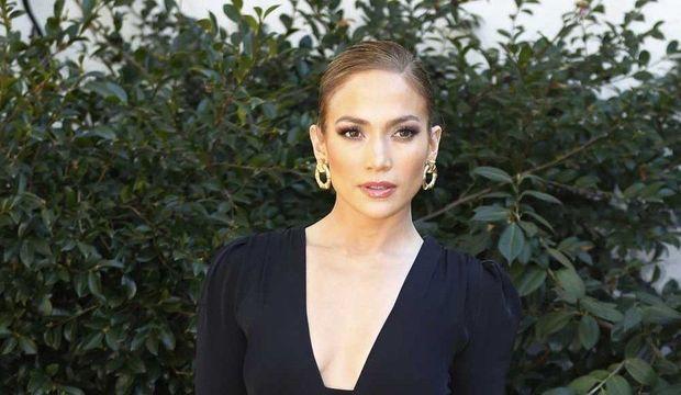 Jennifer-Lopez_galleryphoto_paysage_std-