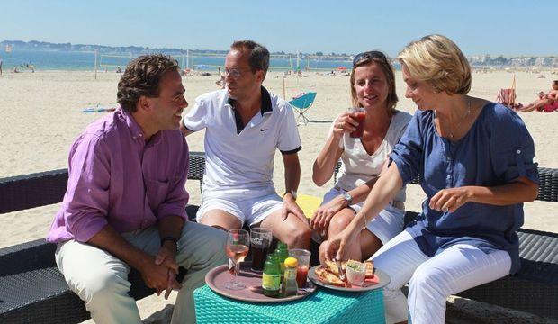 Le 15 août 2009, Jérôme (2ème à gauche) et Valérie Pécresse fêtaient les 45 ans de Luc Chatel avec Astrid, son épouse.
