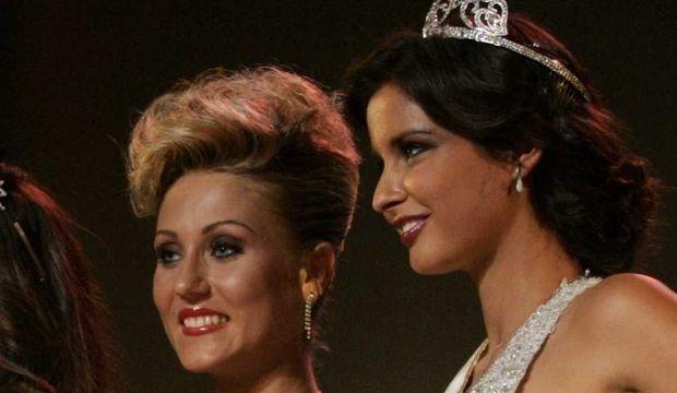 Jessica Muzaton, Miss Ile-de-France 2010 destituée et Malika Ménard-
