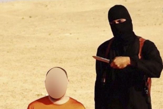 Dans une vidéo de propagande, Jihadi John menaçait de tuer le journaliste américain Steven Sotloff. Il avait fini par mettre ses menaces à exécution.