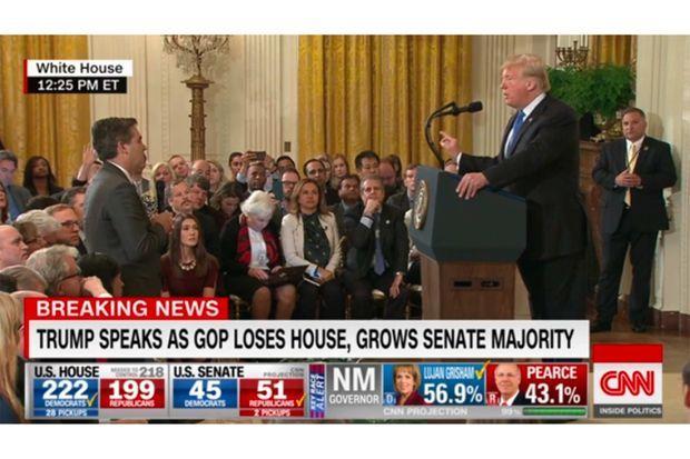 Jim Acosta face à Donald Trump à la Maison-Blanche, le 7 novembre 2018.