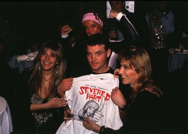 "John Wayne Bobbitt, à la soirée de lancement de son groupe ""Severed Part"" (""Membre coupé""), au club Tunnel de New York, en novembre 1994."