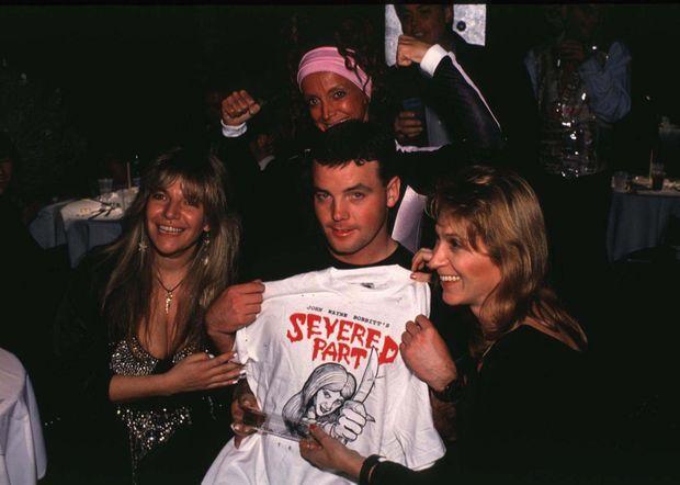 "John Wayne Bobbitt, på lanceringen part i hans gruppe ""Severed Part"" (""Medlem Coupe""), på Tunnel Club of New York, November 1994."