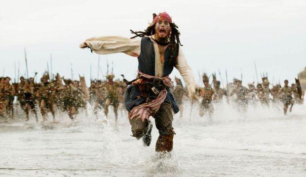 johnny depp pirates des caraibes-