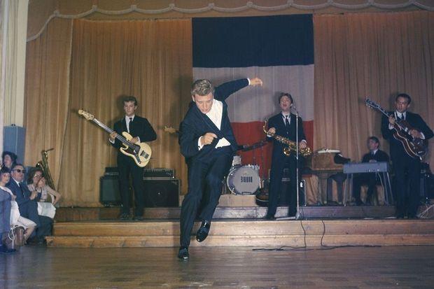 Johnny Hallyday en concert en 1963.